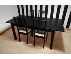 Mesa Extensível com 4 Cadeiras